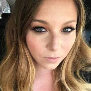 Meet your Posher, Lauren